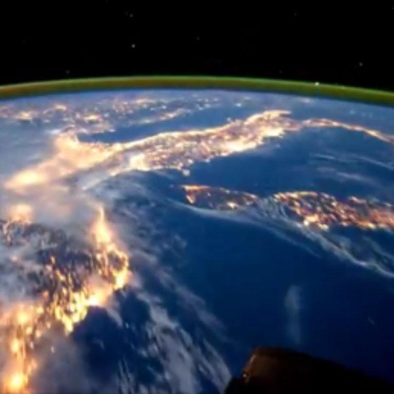 Das Lichtnetzwerk um die Erde